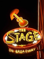 Vign_nashville-broadwaystage4-04_2e
